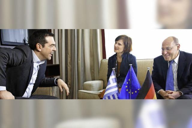Griechischer Premier Tsipras redet in Berlin mit vielen - aber nicht mit jedem