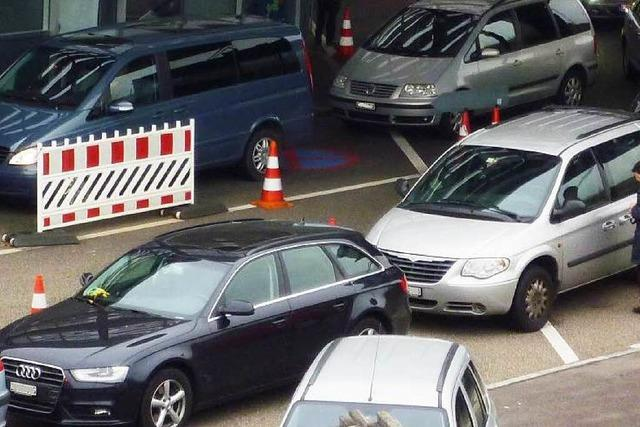 Rheinfelden: Grenzübergang ist Verkehrsaufkommen nicht gewachsen