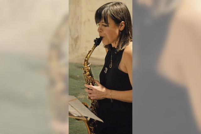 Saxophon und Violoncello zu Erdbeergratin