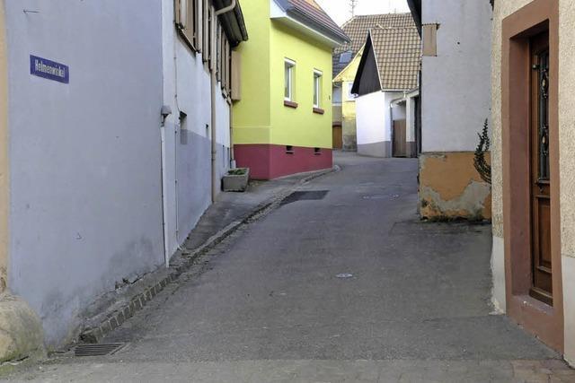 Straßenbau an Engstelle