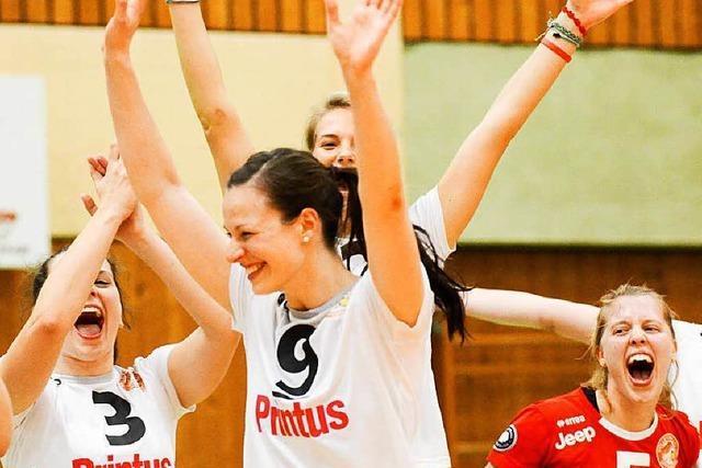VC Offenburg feiert mit 800 Fans den Ligaerhalt