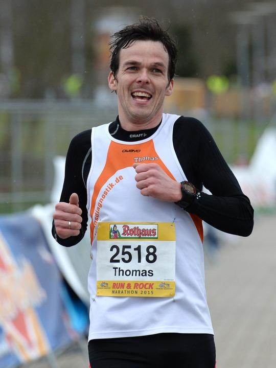 Den zweiten Platz über die Marathonstr...at sich Thomas Klingenberger erlaufen.  | Foto: Patrick Seeger
