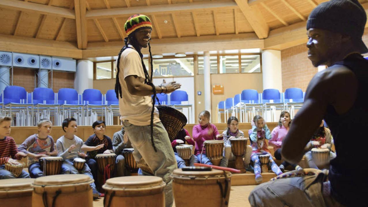 Rhythmussicher sind die Viertklässler bei der Sache.   | Foto: Ehrlich