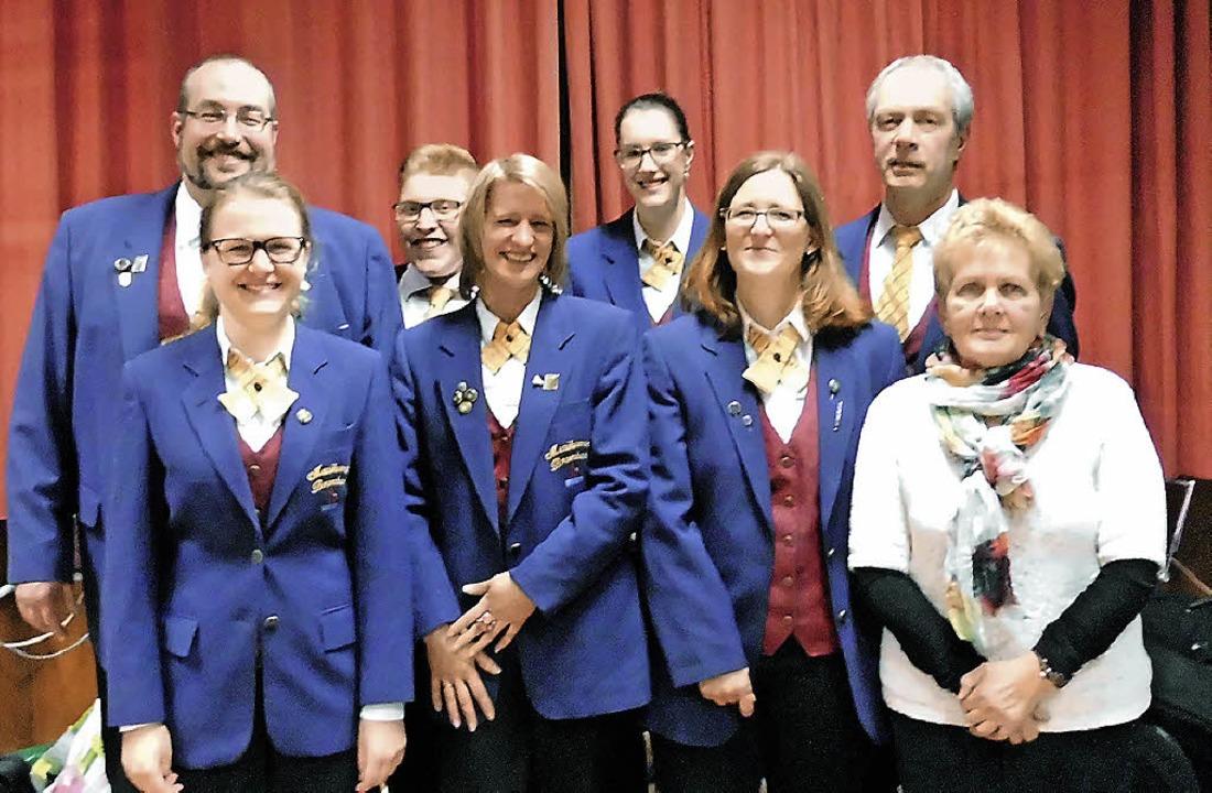 <Text>Der Vorstand des Musikvereins Br...nd Ziegler und Elisabeth Gais</Text>.   | Foto: Daniel Scholaster