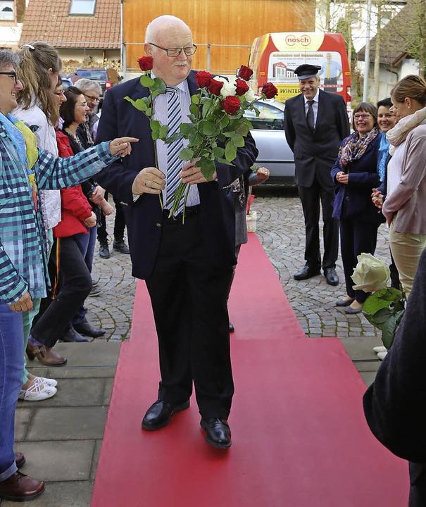Mit Chauffeur und rotem Teppich wurde ...eitern am letzten Arbeitstag begrüßt.   | Foto: privat