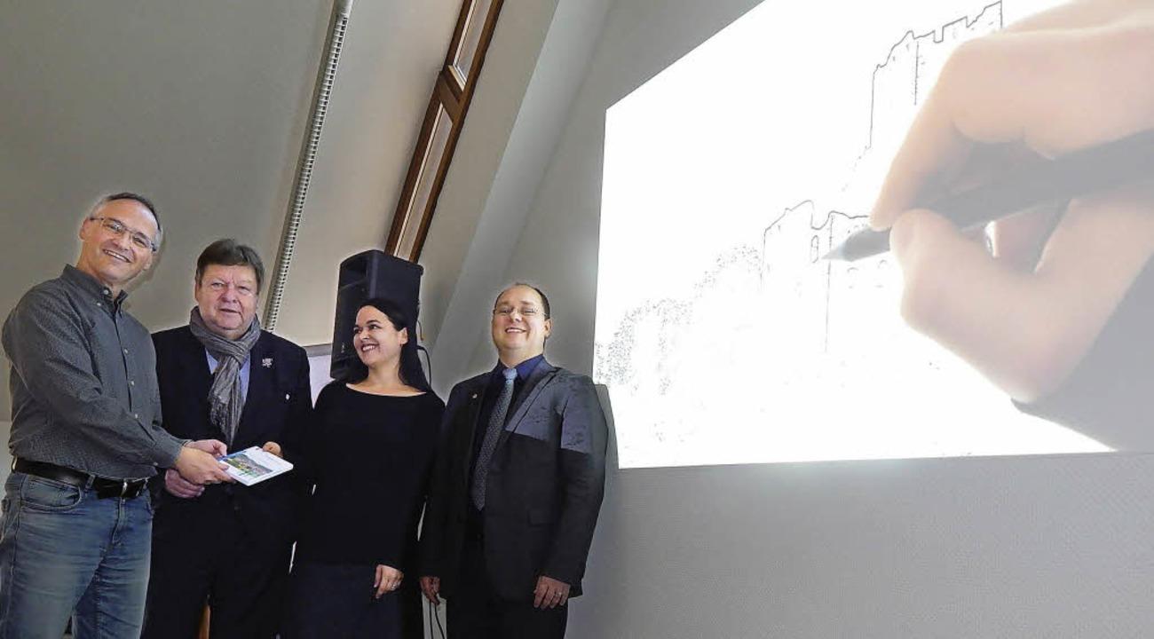 Der neue Imagefilm der Stadt Waldkirch...anie Gehl-Moser und Stephan Fliegner.   | Foto: Sylvia Timm