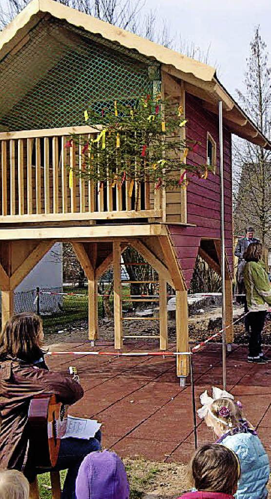 Neues Baumhaus Fur Den Kindergarten Glottertal Badische Zeitung