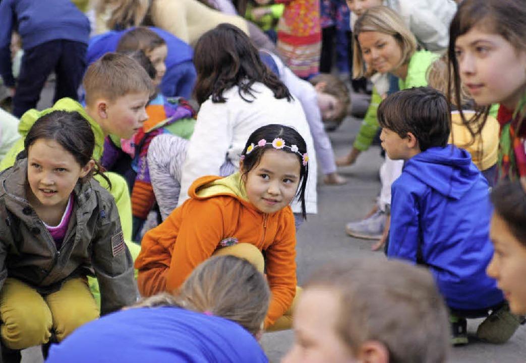 Frühlings-Flashmob der Angell-Kinder   | Foto: schule