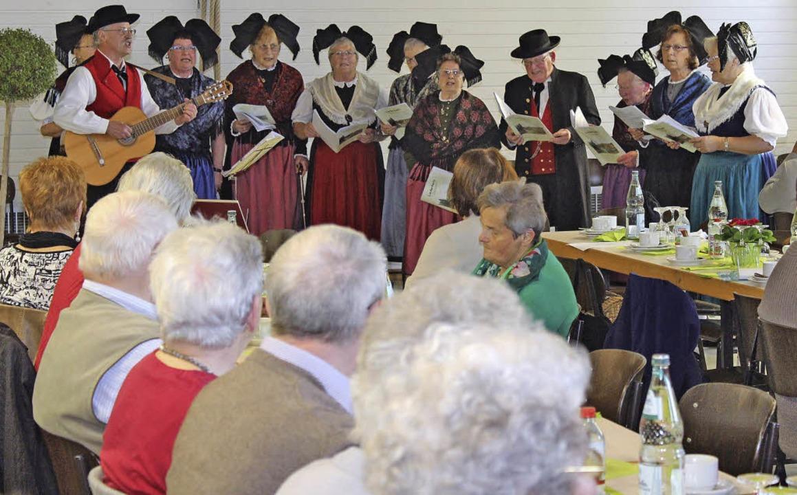 Beim Gottenheimer Seniorennachmittag s...envereins für fröhliche Unterhaltung.   | Foto: Mario Schöneberg