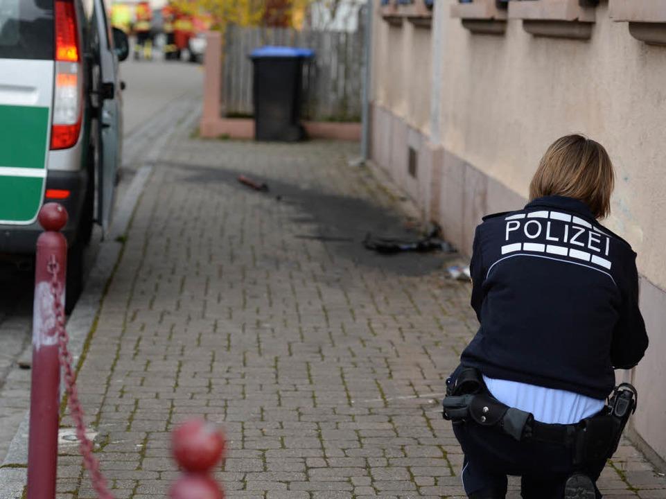 Laut Polizei ist er in eine Hauswand gekracht.  | Foto: dpa