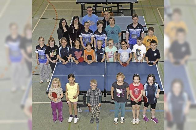 16 Kinder bestreiten ihr erstes Tischtennisturnier