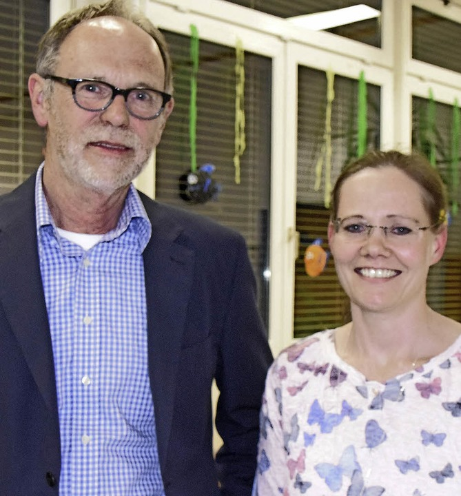 Ernst Niepmann und Konrektorin Kristina Peper   | Foto: Sarah Nöltner