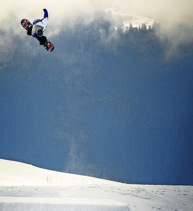 Überflieger: Snowboarder Luis Eckert aus Hinterzarten    Foto: jäger