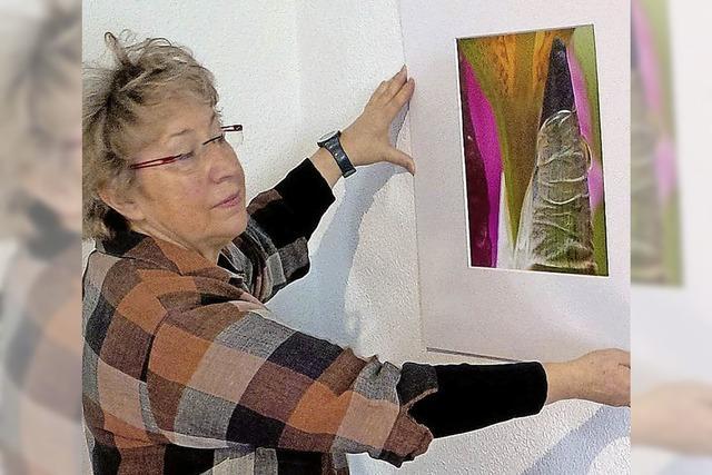 Malerei und Papierschnitte