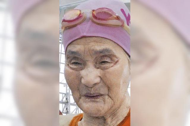 100-jährige Japanerin stellt Schwimm-Rekord auf