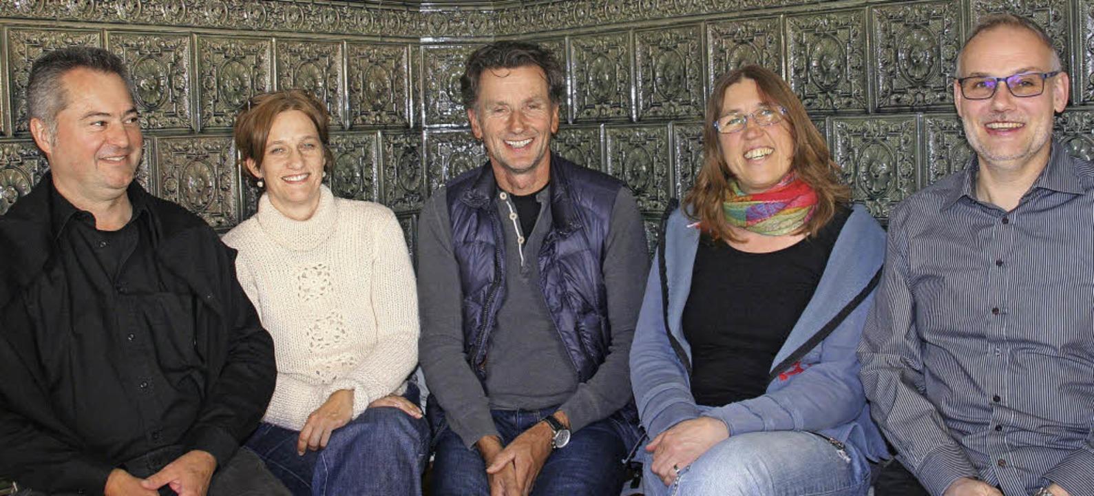Sie engagieren sich fürs Zirkusprojekt...antona (JuZ) und Pfarrer Kai Tilgner.   | Foto: Marlies Jung-Knoblich