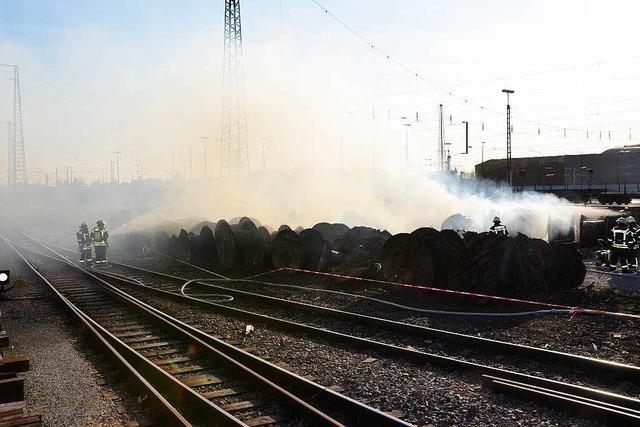 Dunkle Rauchsäule über der Offenburger Oststadt