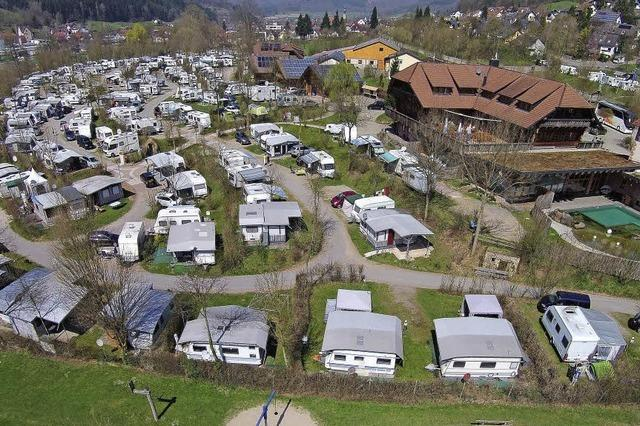 "Seelbacher Campingplatz ""Schwarzwälder Hof"": Klettern an der (Indoor)-Felswand"