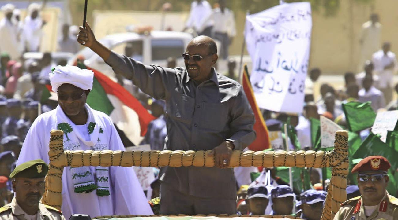 Präsident Omar al-Baschir (Mitte) auf einer Wahlveranstaltung     Foto: AFP
