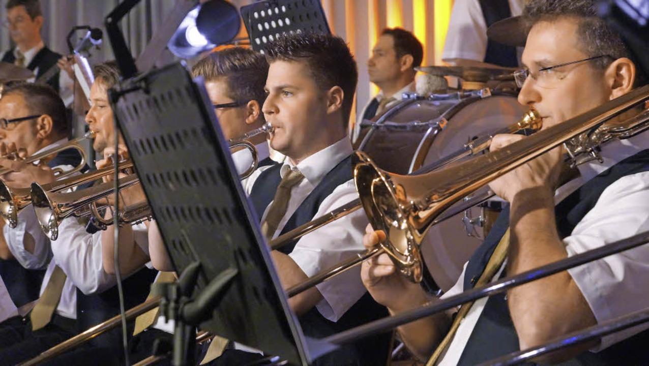 Auch die Bläser des Gesamtorchesters ü... beim Wunschkonzert in Oberrimsingen.   | Foto: Manuela Schmitt