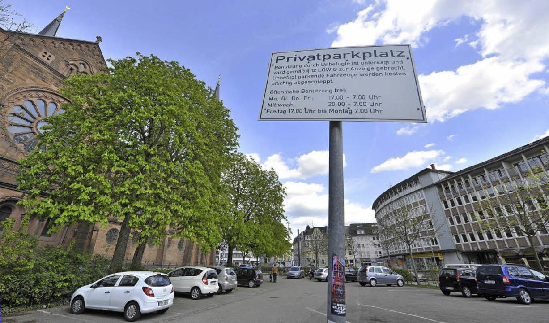 Hier, neben der Johanneskirche, wünsch...e im Erdboden versenkte  Parkgarage.    | Foto: Michael Bamberger