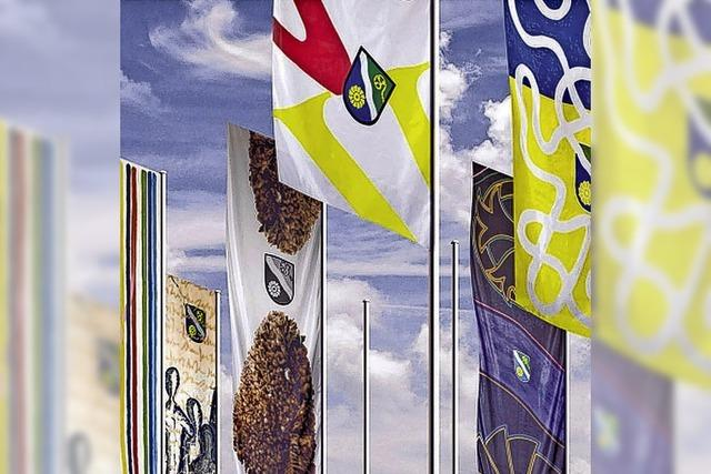 Kreis hisst Künstlerflaggen