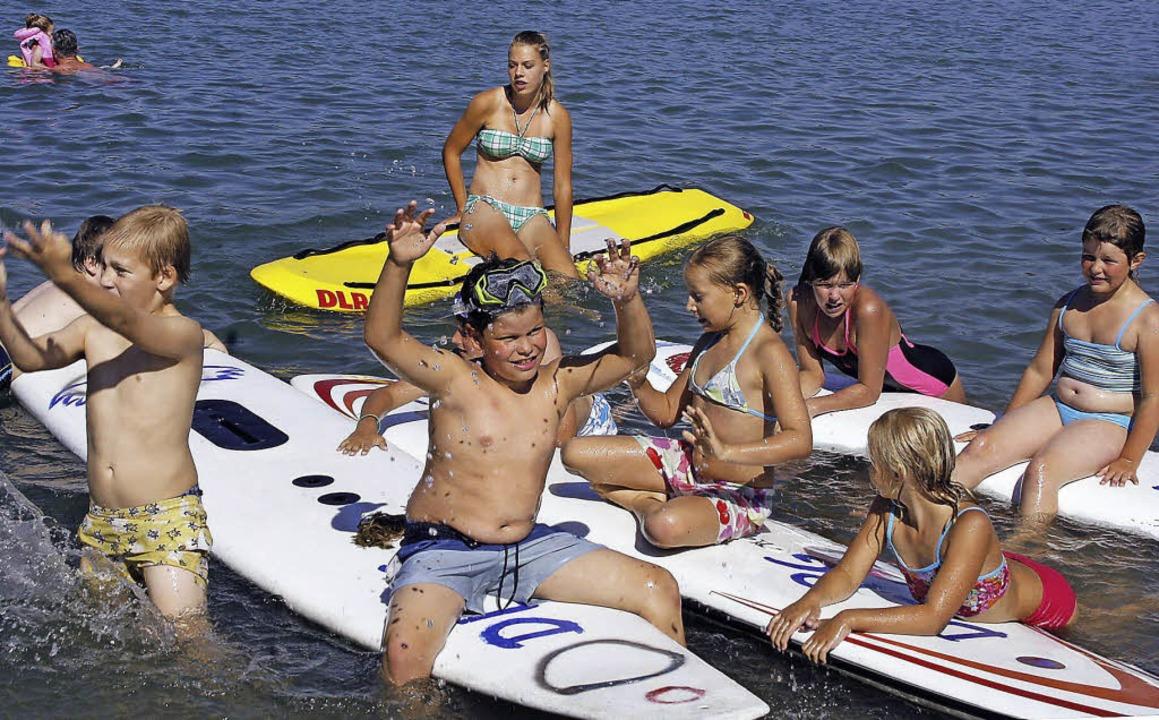 Auch im Ferienprogramm macht die  DLRG...ngenen Jahr am Schutterner Baggersee.     Foto: archivfoto: heidi fössel