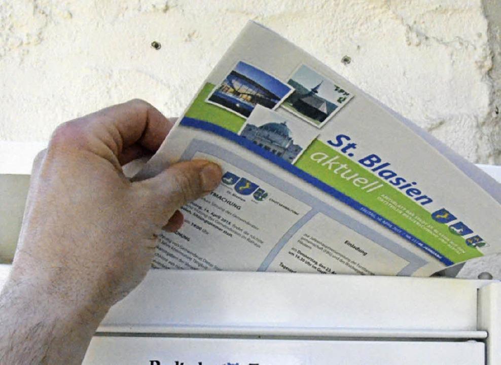 In Zukunft soll das St. Blasier Amtsblatt per Post zu den Abonnenten kommen.  | Foto: Sebastian Barthmes
