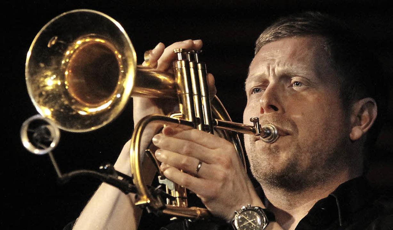 Nils Wülker beim Auftritt in Freiburg  | Foto: Wolfgang Grabherr