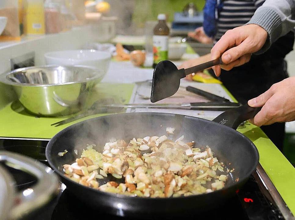 Ein Standbein der Nachbarschaftshilfe ist der Kochtreff.    Foto: Britta Pedersen