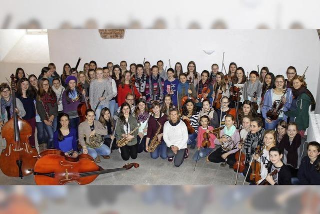Die Ursula Symphonics geben ein Konzert im Freiburger St. Ursula Gymnasium