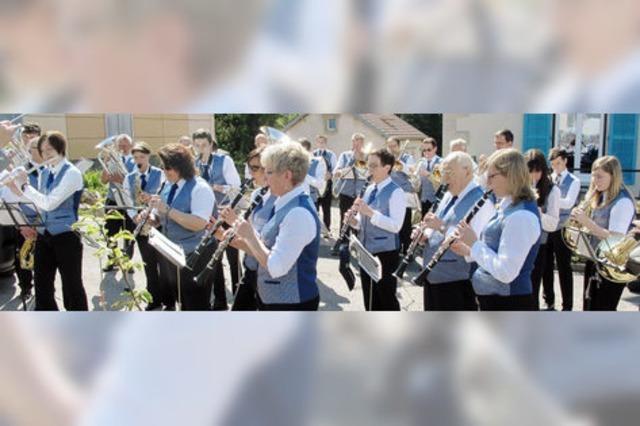 Die Bonndorfer Stadtmusik ist zu Gast beim Musikverein Oberlauchringen