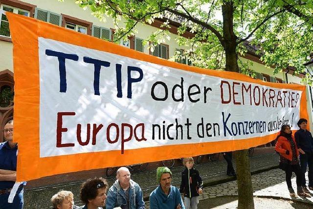 300 demonstrieren am globalen Aktionstag gegen TTIP