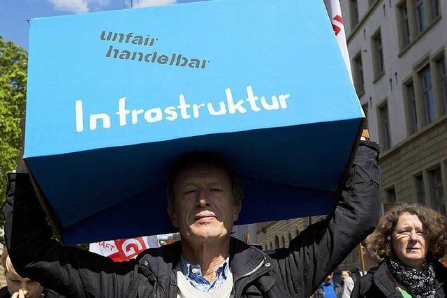Demonstranten stemmen sich gegen TTIP