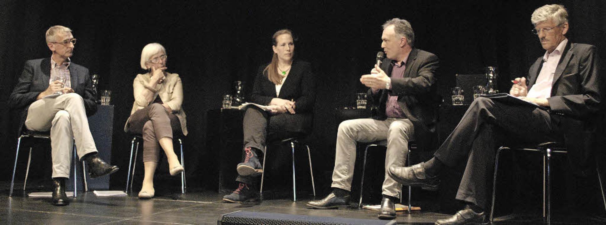Auf dem Podium: Armin Schuster, Gudrun...atlantische Freihandelsabkommen TTIP.   | Foto: Thomas Loisl Mink