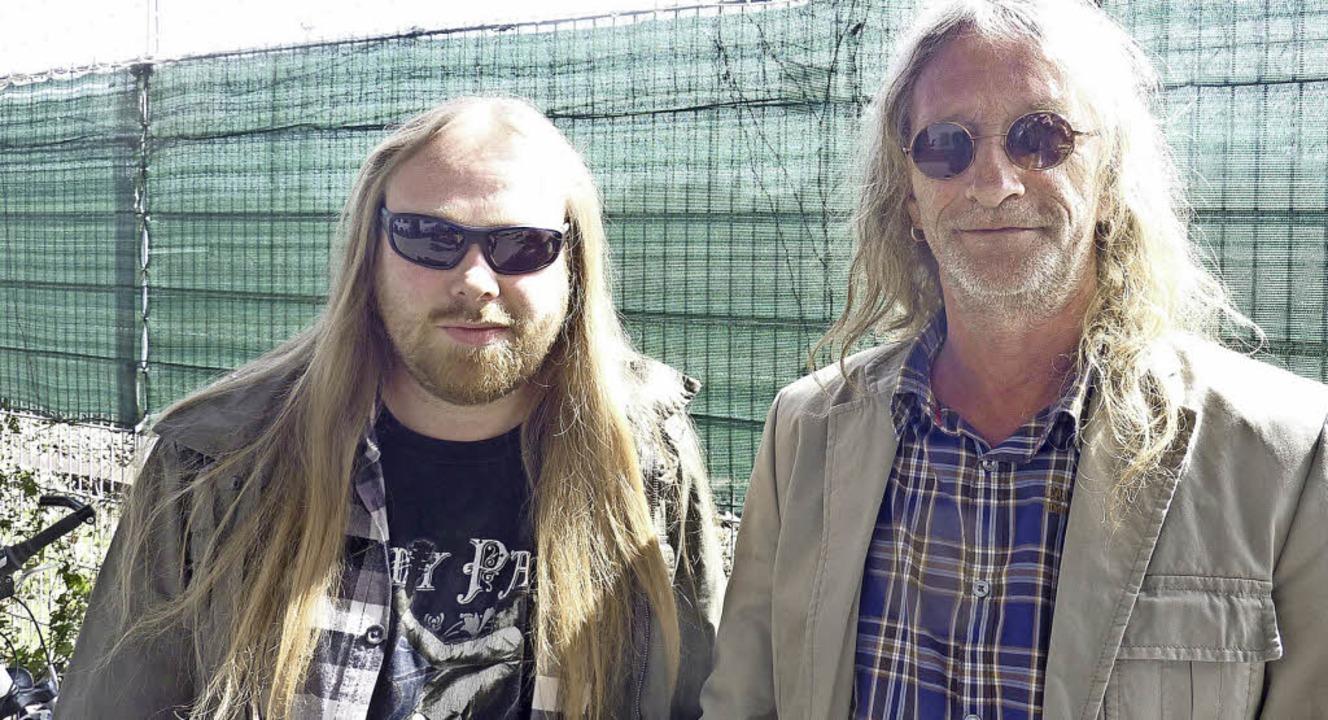 Jürgen Weber und Klaus Rieger (r.), der den Kontaktladen seit 15 Jahren leitet.   | Foto: Fotos: Julia Trauden