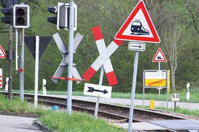 Nach Kollision von Zug und Auto: Ein Dorf unter Schock