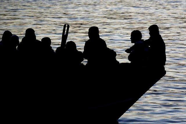 Überlebender: 950 Menschen an Bord des gekenterten Schiffes