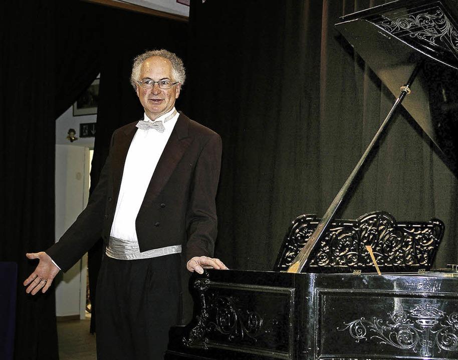 William Cuthbertson erklärte in wenige...e Bedeutung der Preludien von Chopin.   | Foto: Ernst Hubert Weber-Bilke