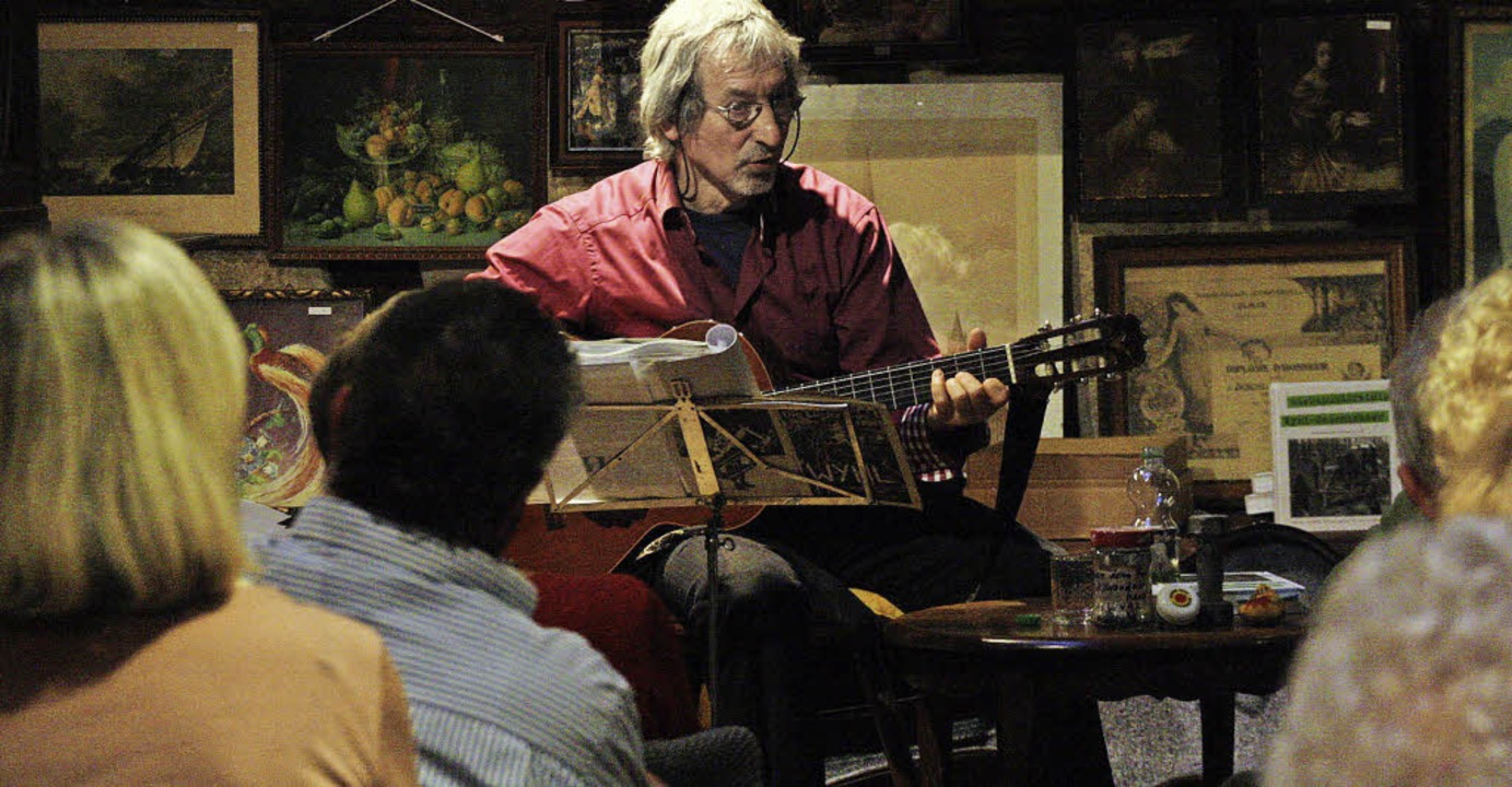 "Roland ""Buki"" Burkhart beim Konzert in Müllers Scheune.  | Foto: Ch. Franz"