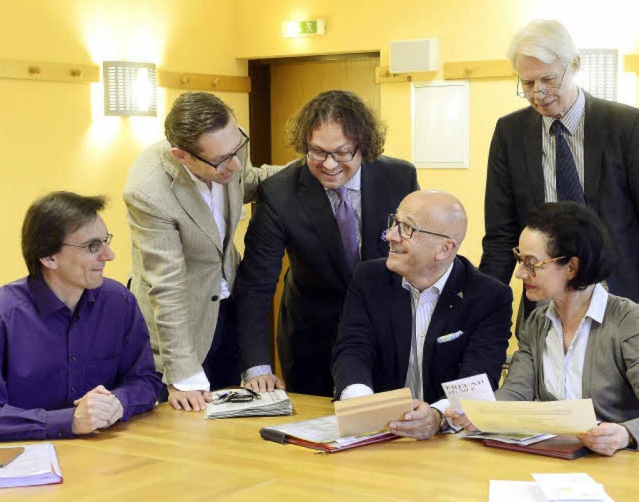 Theaterfreunde durch und durch (von li...au Rita Deyhle und Hans-Hartmut Peter   | Foto: Ingo Schneider