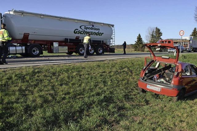 Autofahrerin fährt gegen Silozug – schwer verletzt