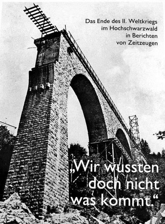 """Die Broschüre """"Wir wussten doch ...Ende des Zweiten Weltkriegs berichten.    Foto: Dieter Maurer"""