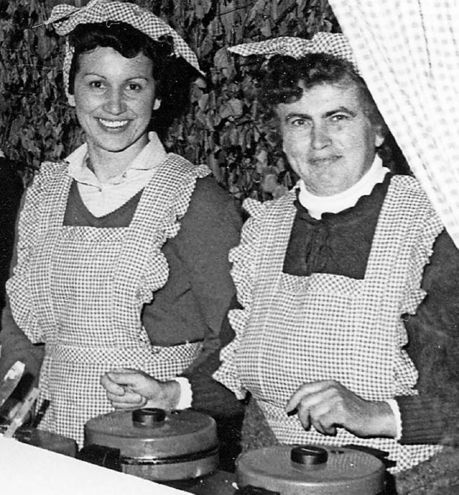 Beim Frühlingsweinfest 1983 waren die ...Oberrotweiler Landfrauen sehr beliebt.  | Foto: Elisabeth Saller
