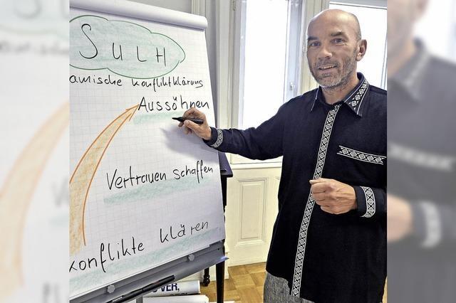 Der Freiburger Hendrik Fenz forscht über Konfliktlösungen
