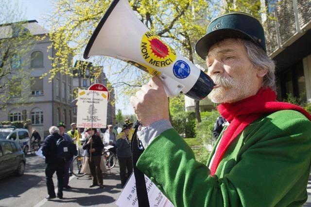 GRENZGÄNGER: Mit Blick auf Fessenheim