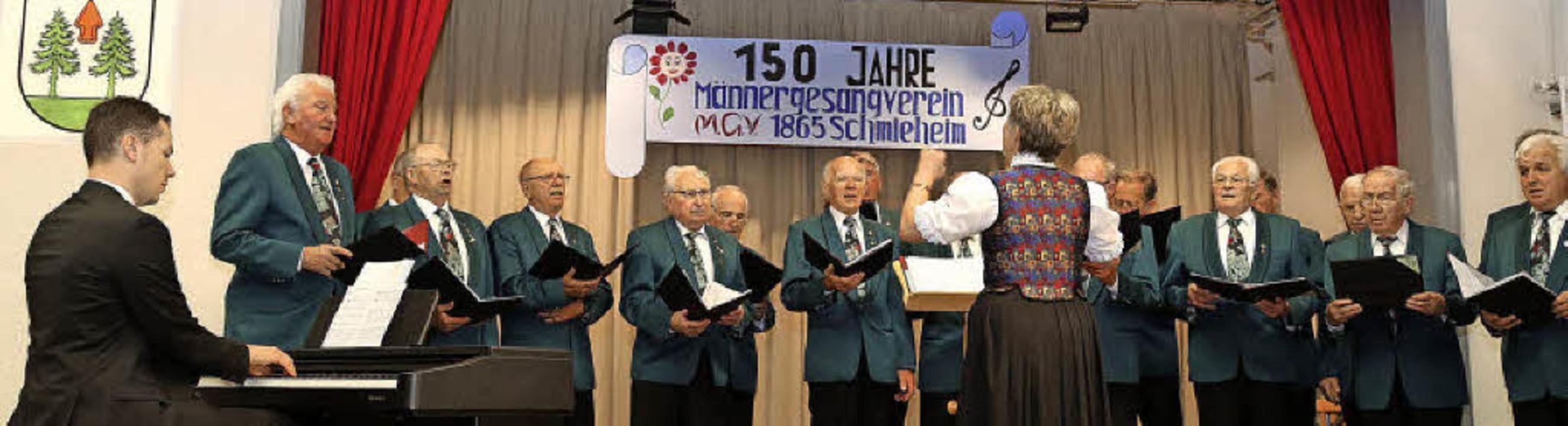 Der Männergesangverein Schmieheim hat ...ich Geburtstag und Abschied gefeiert.   | Foto: Sandra Decoux-Kone