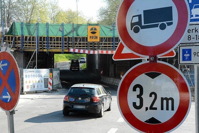 Festhallenbrücke gesperrt