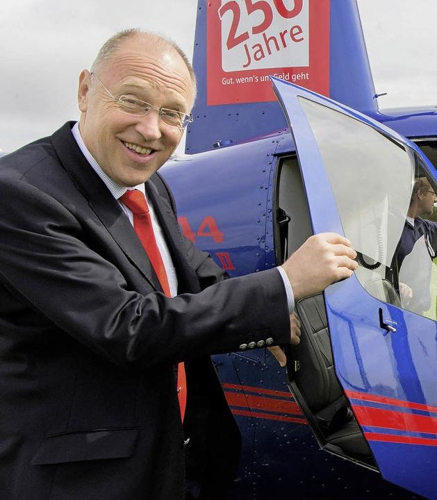 Sparkassenchef Theo Binninger hat Grun...rrundflüge kamen bei den Besuchern an.    Foto: Wilfried Dieckmann