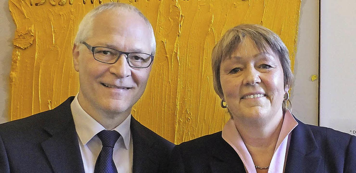 Referentin Martina Dressel, rechts, un...r Sebastian Feichtmaier von der DHBW.   | Foto: Martina David-Wenk